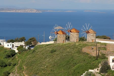 Chora House with great view and parking. - Patmos