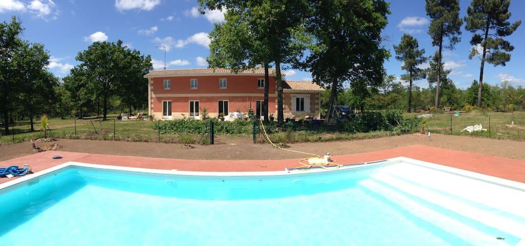 House near Bordeaux and St-Emilion - Bayas - Rumah