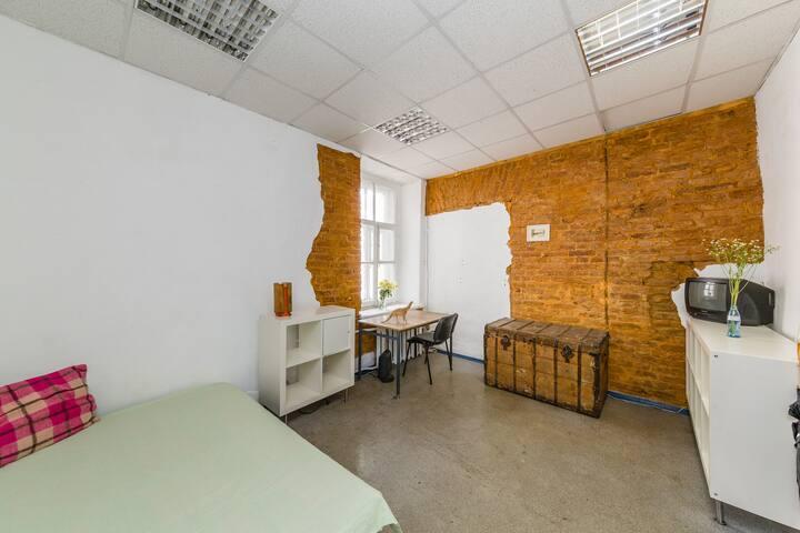 artist room for creative nomads