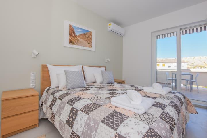 Romantic modern apartment for 2 in Villa Magena