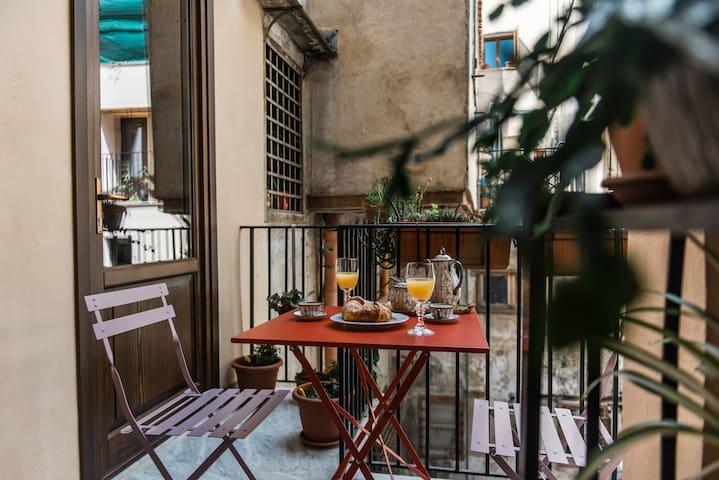 Camera La nostalgica nel cuore di Palermo_