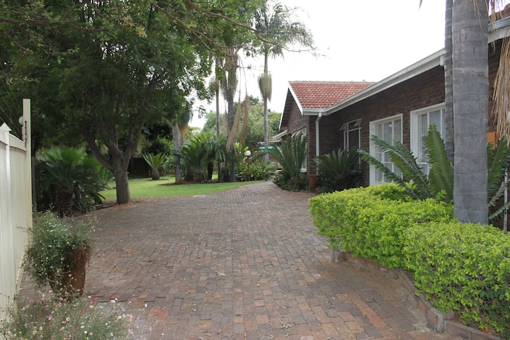 Steendal guesthouse has a friendly family as hosts
