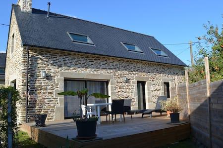 Maison en pierre avec Terrasse - Clohars-Carnoët - Huis