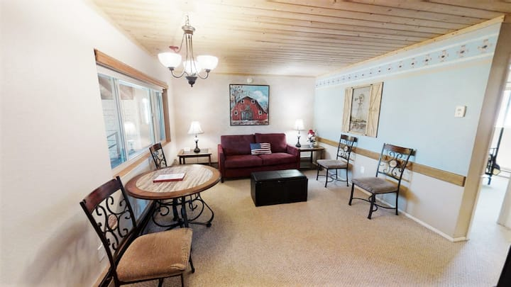 These comfortable rentals are tastefully decorated with quality furnishings. Centrally located with complete kitchens, and some feature a fireplace but may lack the view of a deluxe or luxury rental.