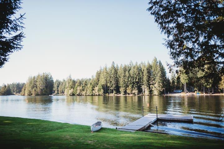Peaceful Family Lake House