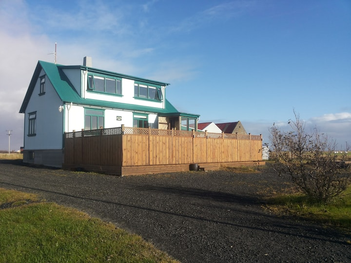 A beautiful country home, shoreside HG00000554