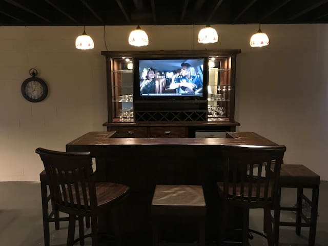 Bar offers great place to watch the game!