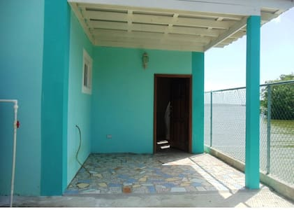 See Belize Sea View Apartment - ベリーズシティ