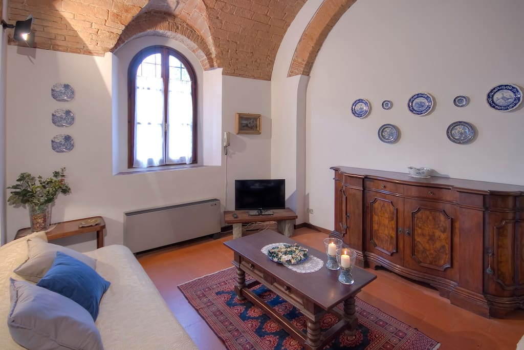 livingroom with single sofa bed