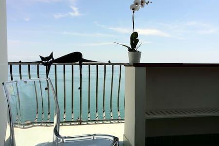 Camera Martida sul Mediterraneo - Praiano