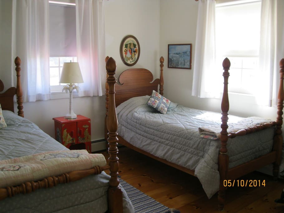 A good night's sleep in one of two antique beds should be followed by an easy walk to the Lemon Fair River