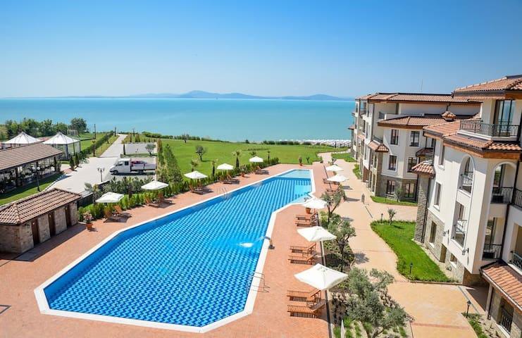 Burgas Beach Residence