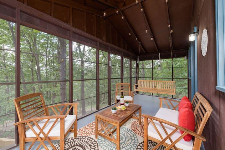Romantic Shenandoah Mountain Retreat