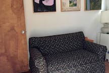 Office / Extra bedroom with fold out couch (single bed)