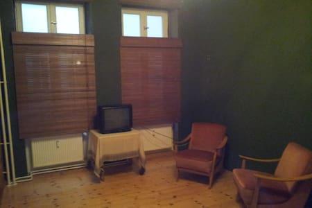 1 Zimmer in Herzen Kreuzbergs - Berlin - Lägenhet