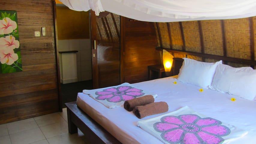 Rumah Cahaya - Lumbung Room 2 - Gili Trawangan - Bed & Breakfast