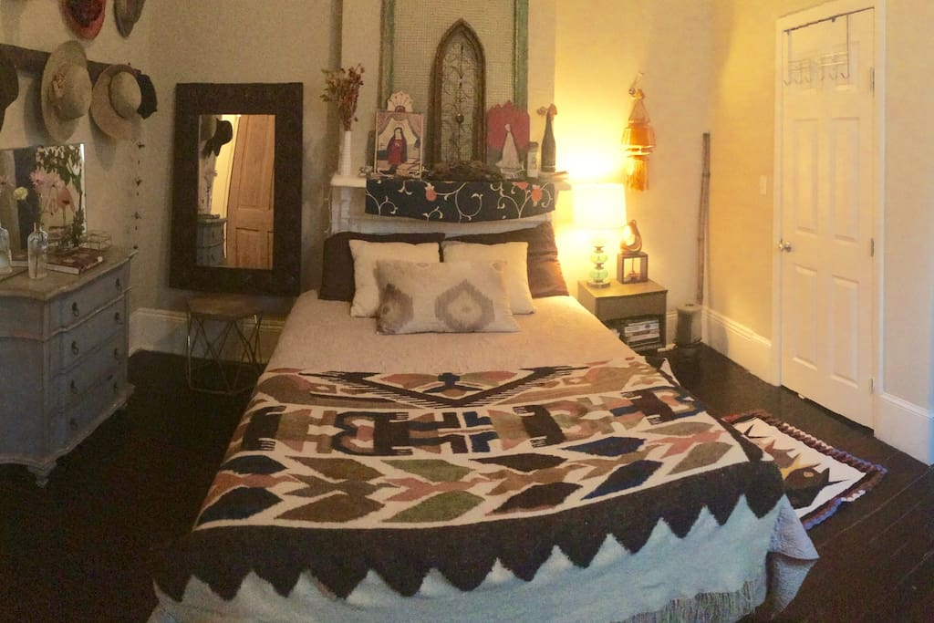 Main Bedroom., Queen Bed.