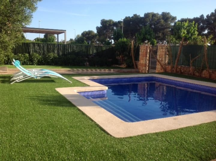 Villa with private pool close to sea and golf