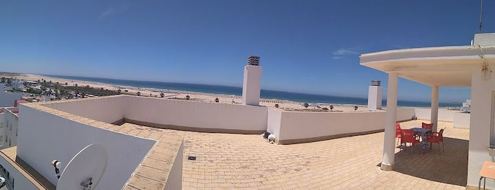 Apartment just 50 meters from los Bateles' beach