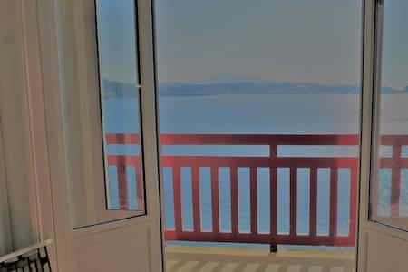App. de 114m² avec vue panoramique sur l'océan.