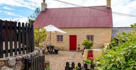 Henglyn Farm Cottage & Hot Tub