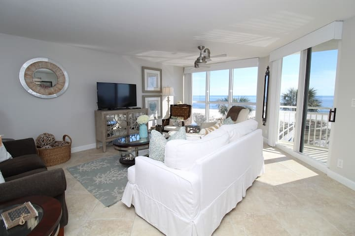 SeaSpray West 304- Beach Front Views from Terrace with Luxurious Interior!