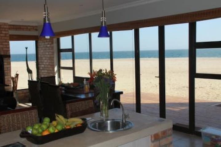 Beach front self catering. - Walvis Bay /Dolphin Beach - Ev