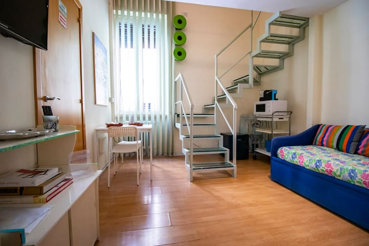 "APARTMENT RIGHT BY THE ""TOLEDO"" METRO STOP!!"