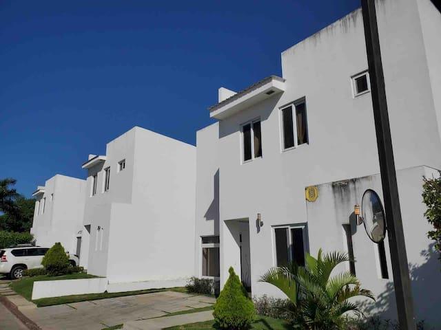 Beautiful Villa, Santo Domingo, Managua