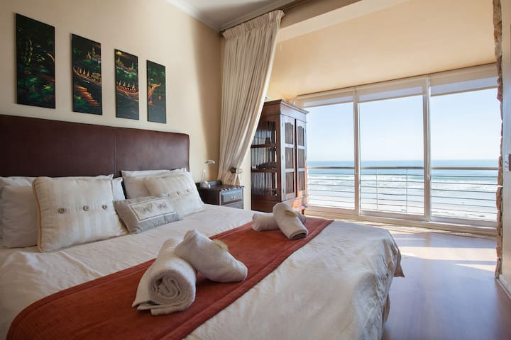HotelApartment with Sea & Mountain Views