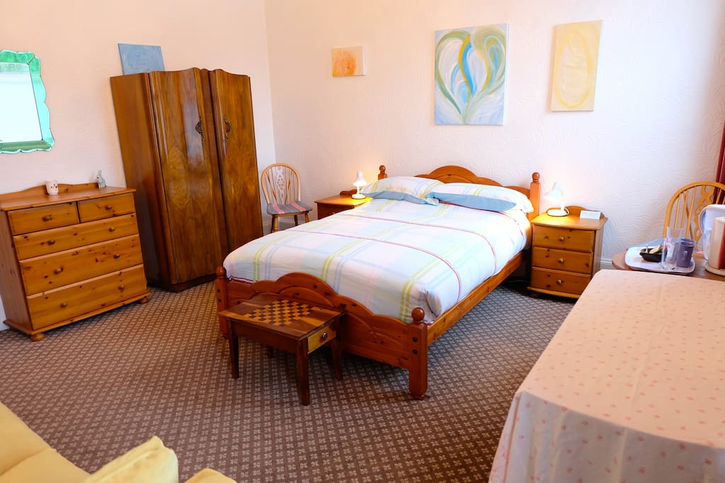 Mary King room, spacious, light and bright