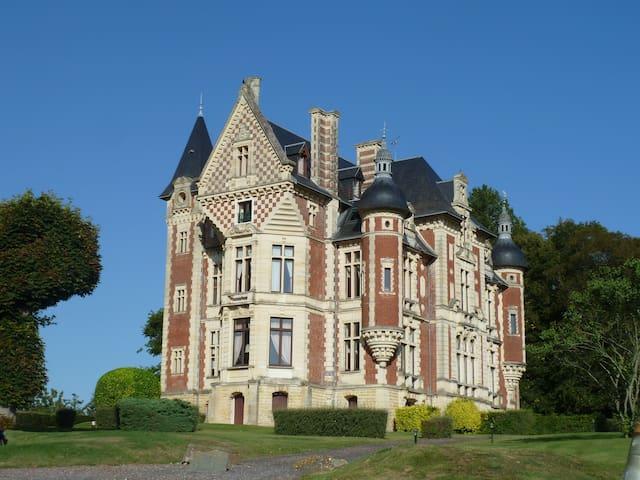 Duplex dans château sur golf - Gonneville-sur-Mer - Apartment