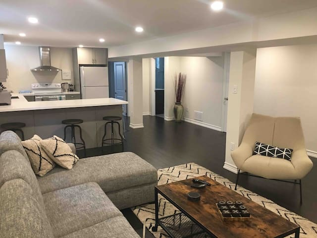 New Modern Private Luxury Basement Apt. in Vaughan