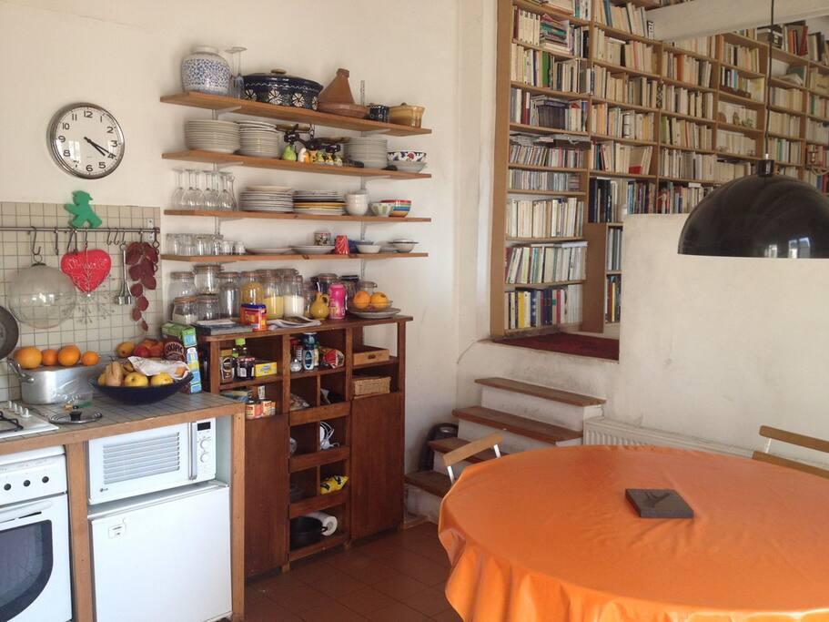 L'escalier de la cuisine vers la salon et la grande chambre