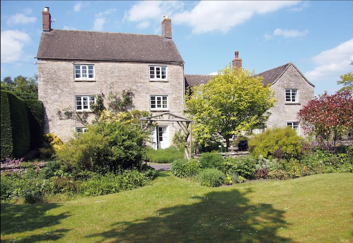 Charming ancient village hideaway  - Church Hanborough - Byt