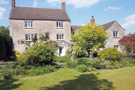 Charming ancient village hideaway  - Church Hanborough