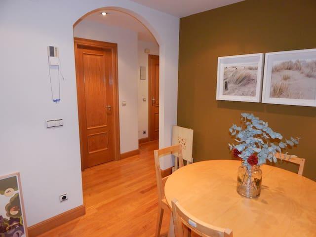 Estupendo piso en urbanización con piscina - Hondarribia - House