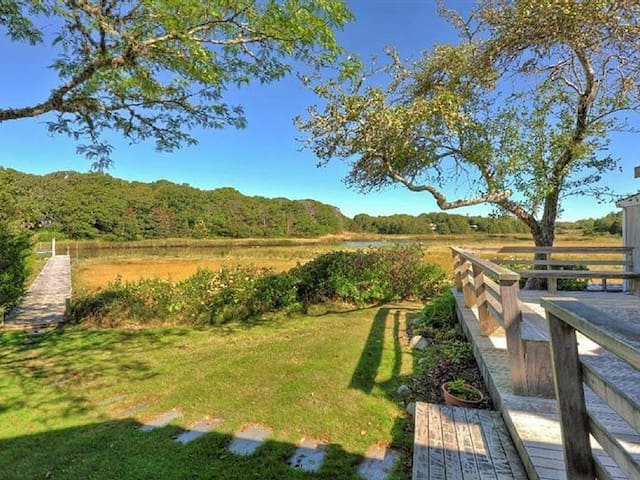 West Falmouth Waterfront with Private Dock - Falmouth - Ház