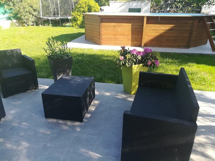 Maison au calme avec grand jardin de 700 m²
