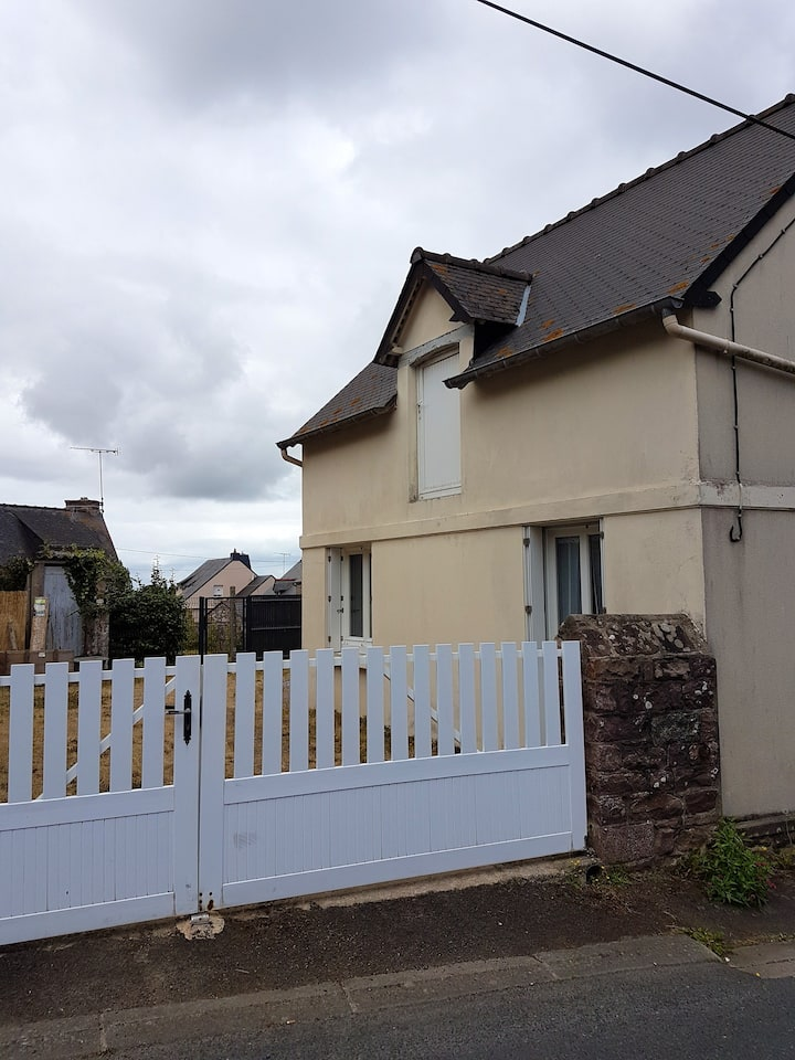 House with one bedroom in Fréhel, with enclosed garden