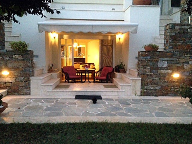 Lovely apartment near Thessaloniki Airport - Ano Scholari - Appartement