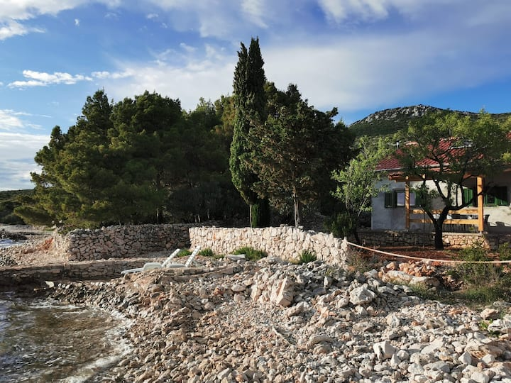NEW Robinson house Pašman/4-5 persons/by the sea
