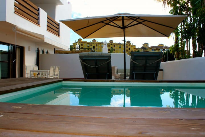 Apt. at Golf Hills with a huge terrace and pool! - Estepona - Apartment