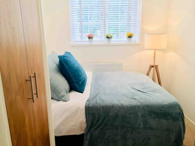 Compact Double - Central London - St Johns Wood