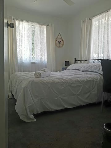 Cosy Home Bed & Breakfast - Room 2 - Kippa-Ring - House