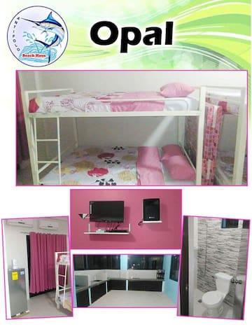 15pax room