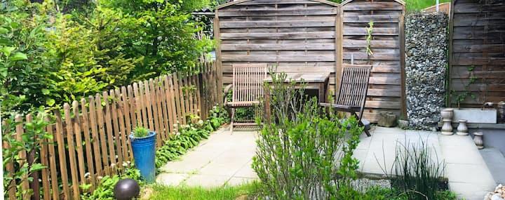 Gartenwohnung mit Carport. Ruhig,zentral, tierlieb