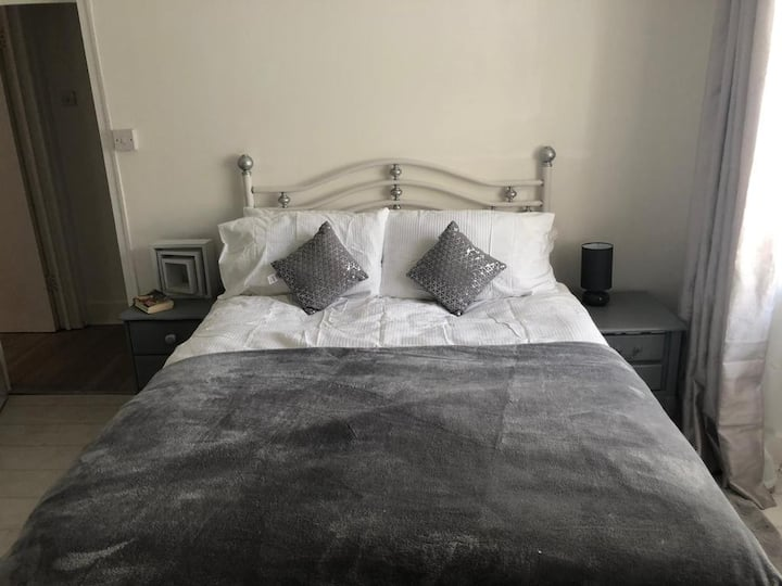 Self contained flat , close to Margate old town
