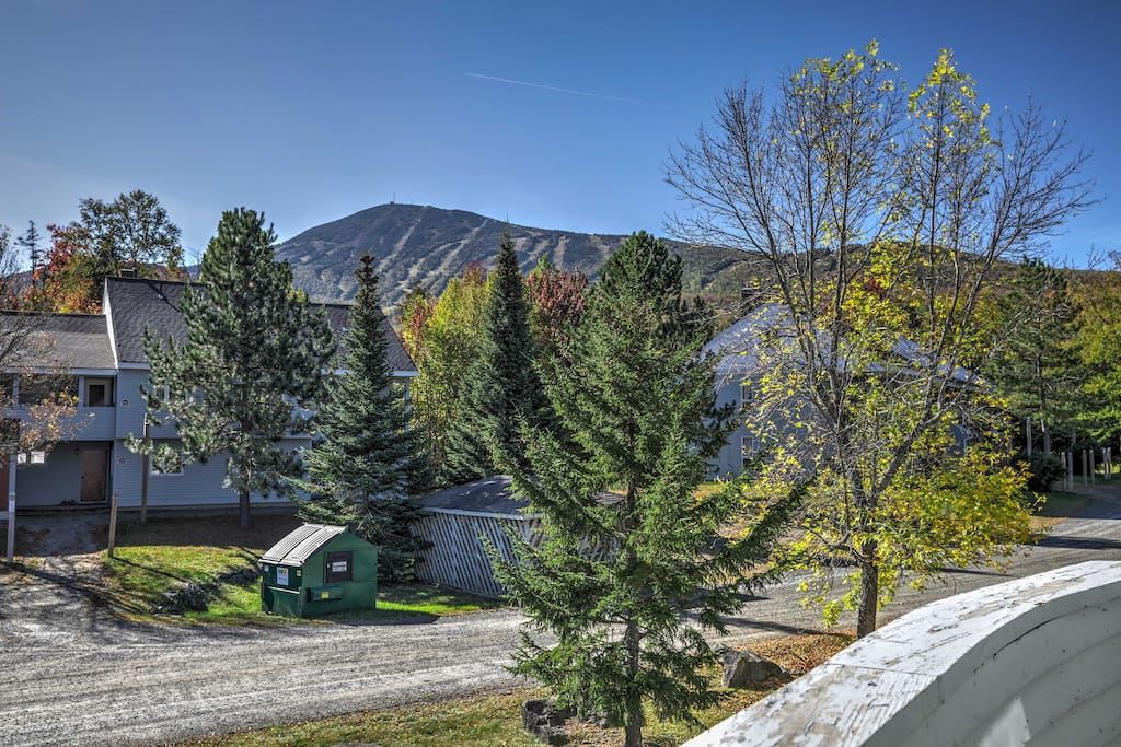 Grab your helmet and ski into this Carrabassett Valley mountain paradise.