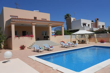 Private room in Ibiza with pool (2) - Sant Josep de sa Talaia - Willa